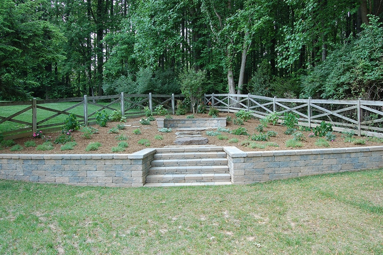 retaining-wall-w-garden-vienna-va